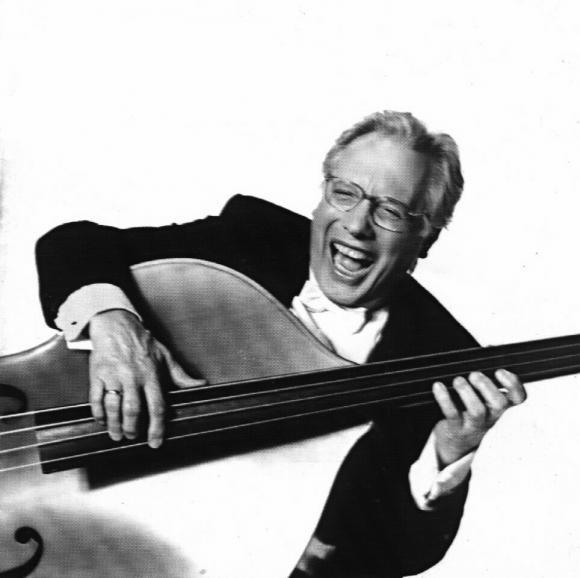 Addio a Enzo Jannacci, maestro della canzone italiana