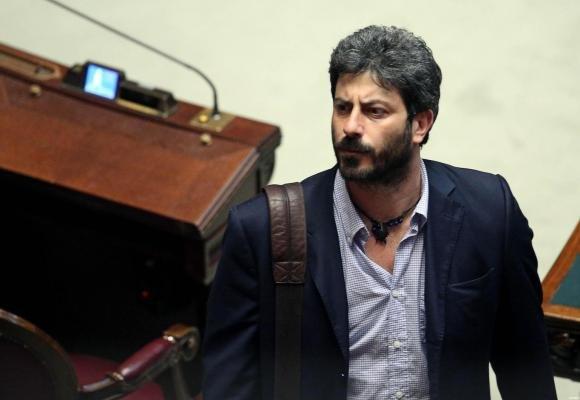 Roberto Fico del M5S rinuncia all'indennità di carica in Vigilanza Rai
