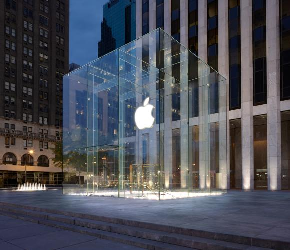 Apple Store: alcuni dipendenti di New York e Los Angeles denunciano Apple