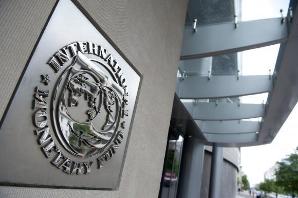 FMI: rilanciare la crescita economica