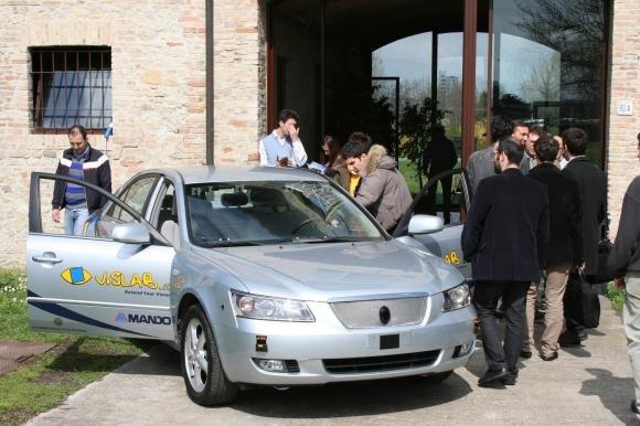 VisLab BRAiVE, la prima auto italiana che guida da sola