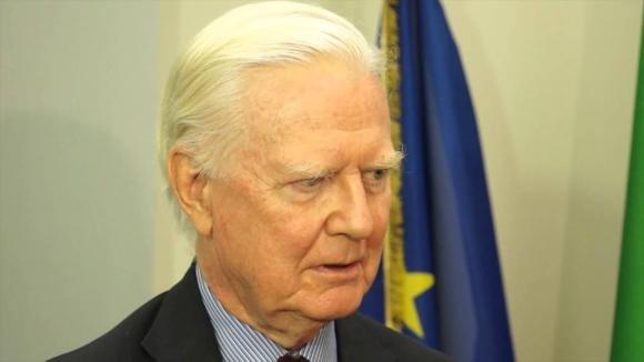 Premio Nobel avverte Romania: state fuori dall'Unione Europea