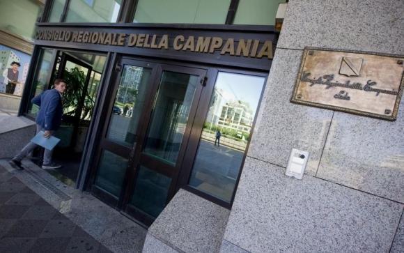 Regione Campania, indagati per peculato 53 consiglieri