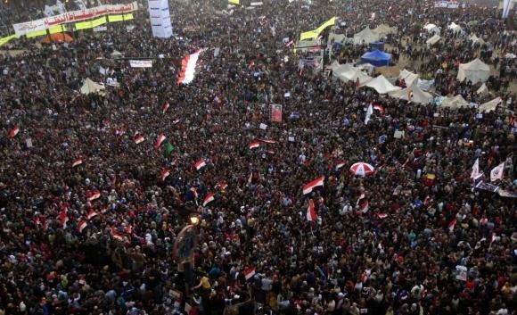 Egitto, ultimatum dell'opposizione a Mohamed Morsi: via entro domani