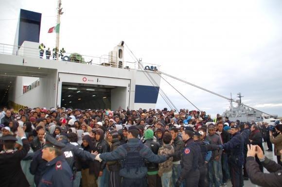 Lampedusa: nuovo sbarco di profughi