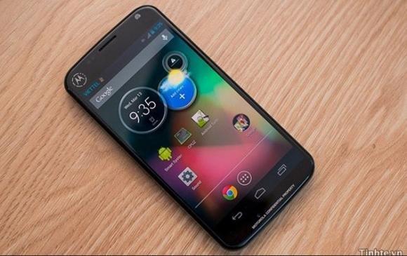 """Moto X, il nuovo smartphone """"intelligente"""" di Google"""