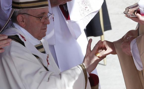Papa Francesco: combattere il narcotraffico mantenendo le droghe illegali