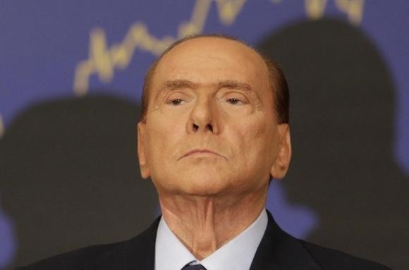 Berlusconi è out, e ora cosa smacchierà la sinistra?