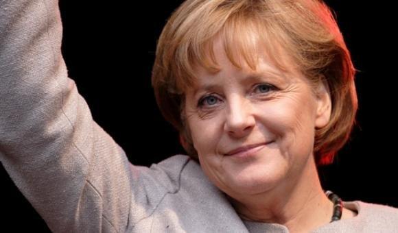 Angela Merkel trionfa in Germania