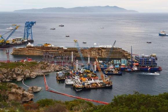 Costa Concordia, recupero riuscito in 19 ore