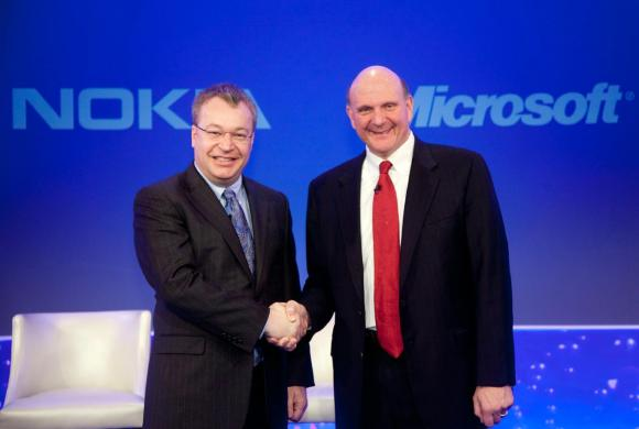 Microsoft acquista i cellulari Nokia per 5,44 miliardi di euro