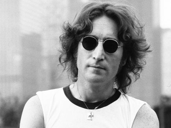 John Lennon scrittore celebrato con una mostra a Bologna