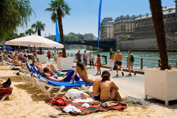 Un'altra estate con le spiagge sul lungo Senna