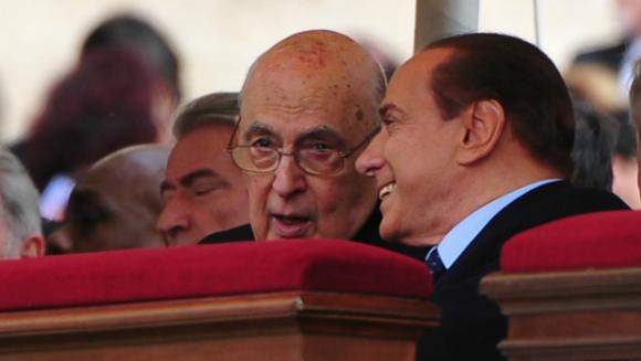 Il Colle congela la decisione sulla decadenza di Berlusconi