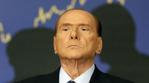 Berlusconi non molla e rilancia Forza Italia