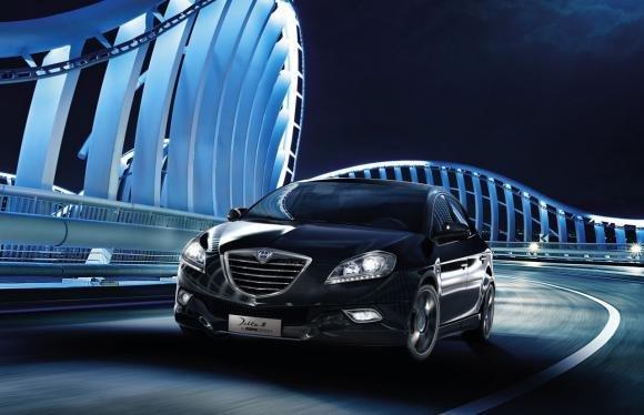 """Lancia all'Arena di Verona per """"Opera on Ice 2013"""""""