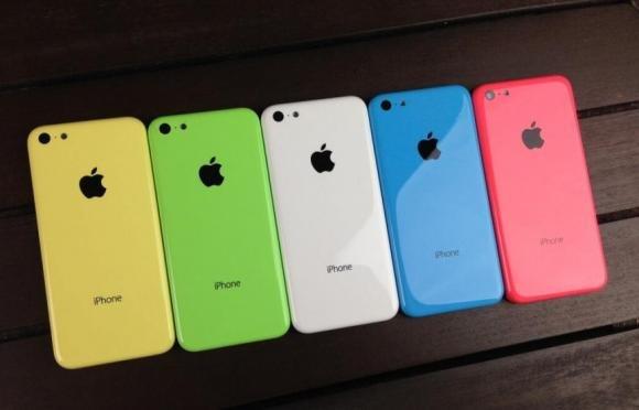 iPhone 5S e iPhone 5C in vendita da mezzanotte