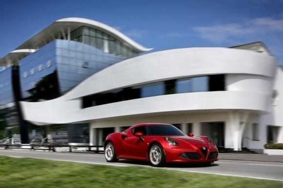 Alfa Romeo 4C segna il ritorno del marchio nel mondo delle coupé sportive