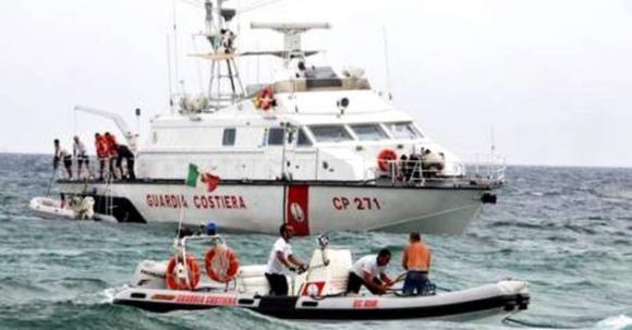 Nuova tragedia all'isola di Lampedusa: affonda barcone, oltre 50 morti