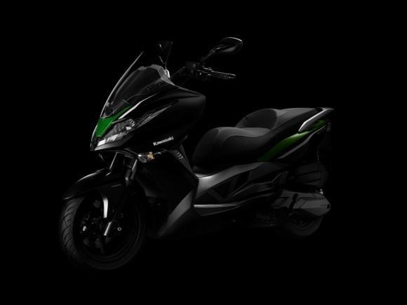 Kawasaki pronta a lanciare il J300, suo primo scooter in Europa