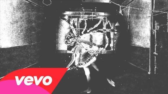 """Nine Inch Nails, quello di """"Came Back Haunted"""" è un video strano"""