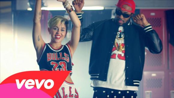 "Mike WiLL Made-It ft. Miley Cyrus, Juicy J e Wiz Khalifa, compratevi 'ste Jordan ""23"""