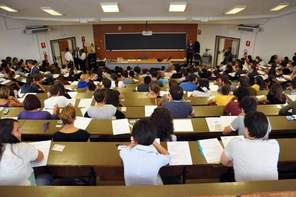 Mobilitazione di docenti e studenti per salvare l'università