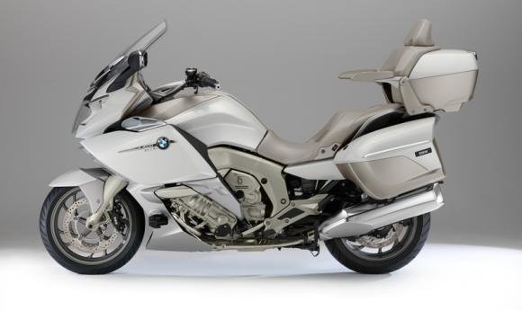 BMW K 1600 GTL Exclusive, su due ruote in prima classe