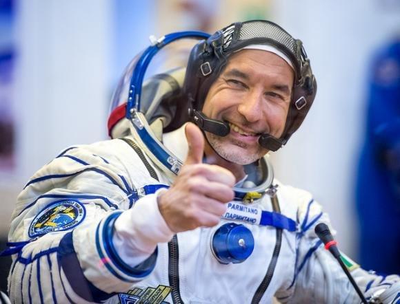 L'astronauta Luca Paramitano torna a casa dopo 6 mesi nello spazio