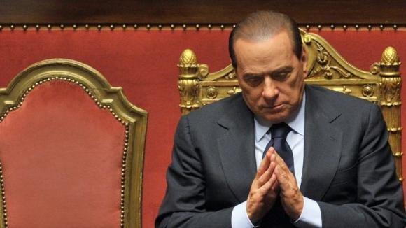 """Decadenza Berlusconi, voto il 27 novembre. Il Cav: """"Colle in tempo per la grazia"""""""