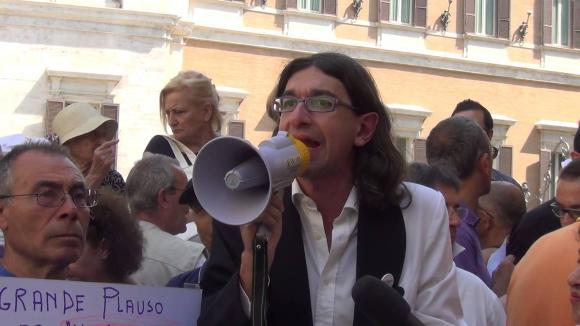 Gabriele Paolini arrestato per induzione alla prostituzione minorile