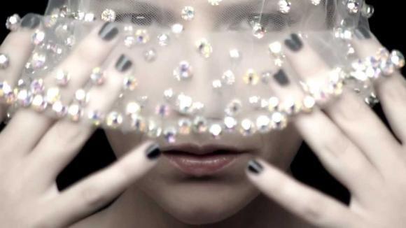 """Limpido"", Laura Pausini presenta ""20 – The Greatest hits"""