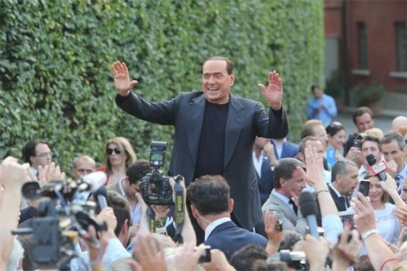 Al casting di Forza Italia per futuri dirigenti si presenta solo una 70enne