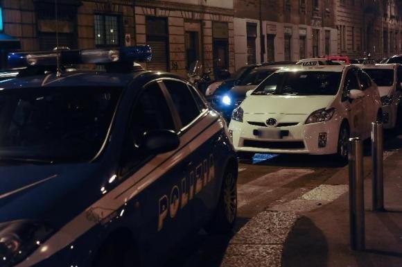 Tassista in fin di vita dopo un'aggressione a Milano per banale litigio