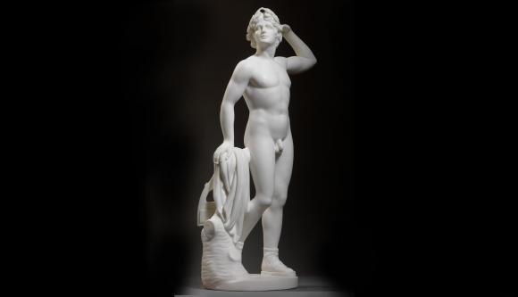 Tenta di vendere statua di Apollo su Ebay, criticato un pescatore