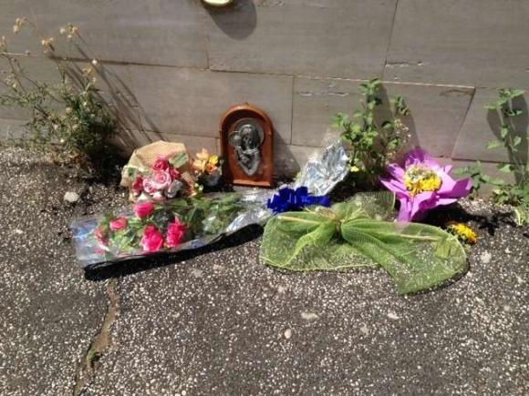 Torino: 14enne si lancia dal balcone per gli insulti dei coetanei
