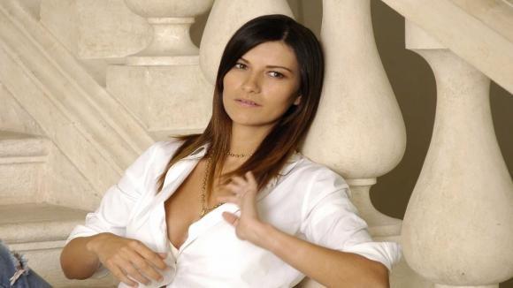 Laura Pausini debutterà a maggio come presentatrice