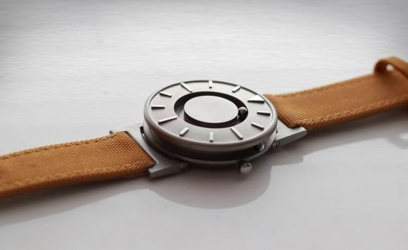Bradley Watch: l'orologio per non vedenti, ma è tendenza tra quelli che ci vedono