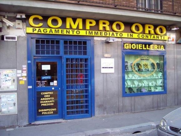 Tempi di crisi e gli italiani vendono 300 tonnellate d'oro
