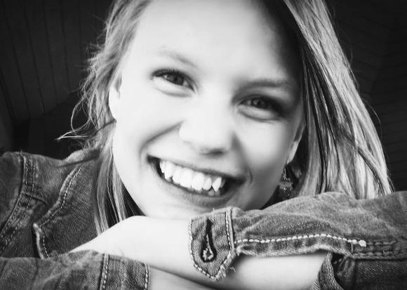 USA: 15enne risarcita perchè la scuola le controlla Facebook