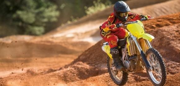 Suzuki RM-Z 450, rinnovata e pronta per il motocross