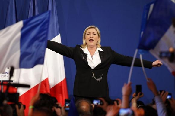 Front National primo partito in Francia