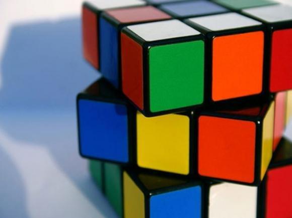 Il cubo di Rubik compie 40 anni e Google lo celebra con un doodle
