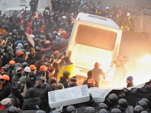 Filorussi assaltano l'Ucraina dell'Est