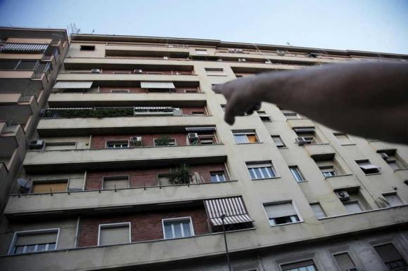Londra: precipitano dal balcone mentre fanno sesso. Morti sul colpo due studenti