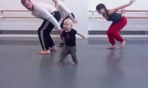 Ad appena 14 mesi, è il coreografo più piccolo della storia