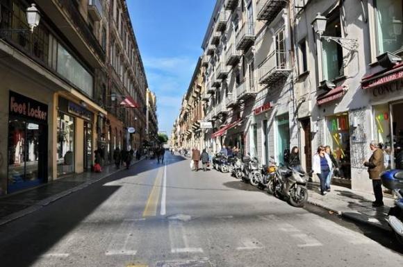 Turista australiano picchiato e derubato a Palermo