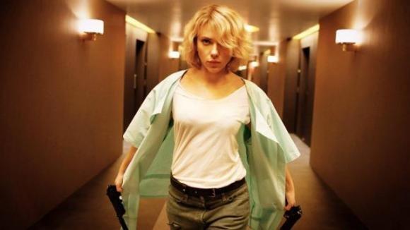 Lucy, il film fenomeno di Luc Besson, finalmente in Italia