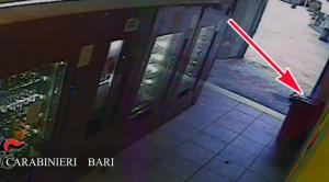 Bari: spunta il VIDEO dei tre minori che fanno esplodere la bomba carta