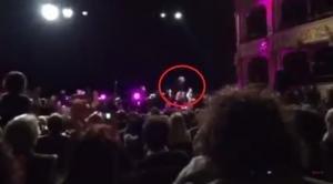Battiato cade in teatro e si rompe il femore. Ricoverato